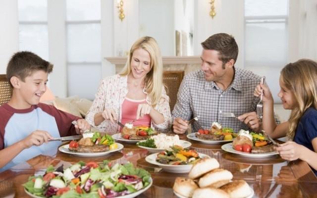 COMEMOS CON NUESTROS HIJOS??? La llave para abrir la puerta a una relación sana con la alimentación.